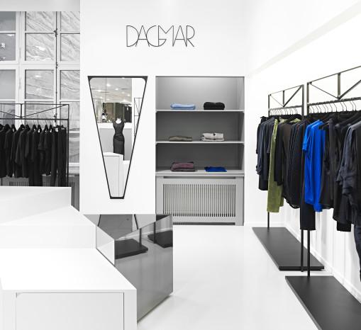 Dagmar-063-65